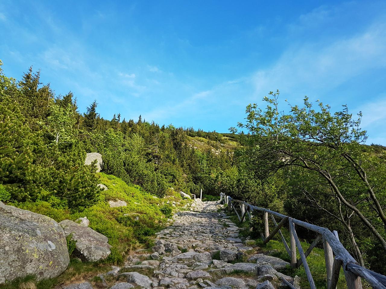 karpacz atrakcje szlaki turystyczne